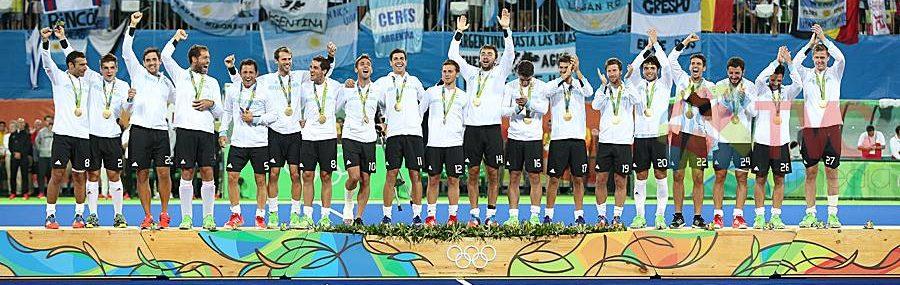 Argentina ganó 4-2 a Bélgica y se quedó con el título olímpico. Los jugadores celebran el cuarto tanto. FOTO: Talía Vargas/TVC Star Media.