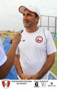 Sergio Vigil, el popular Cachito, forjador del popular equipo de Las leonas, hoy técnico de Chile.